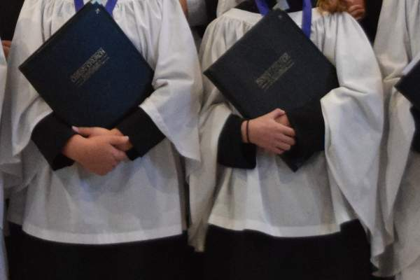 Choir hands